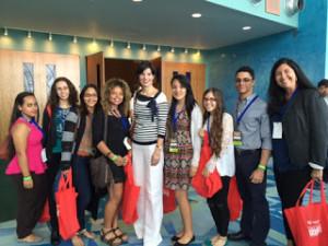 (De izquierda a derecha) Ana Vega, Yidnarie Santiago, Soraya Valentín, Kimberly Pérez, Ingrid Vila (Presidenta Internacional de Basura Cero), Tatiana Ocasio (Presidenta del Club FEST), Heizel Acosta, Kenneth Silva (Tesorero del Club FEST), Providencia Laracuente (Maestra moderadora del Club FEST).